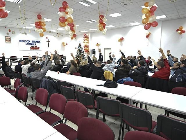 We wtorek kilkudziesięciu pracowników i związkowców spotkało się w siedzibie Solidarności przy Kamińskiego.