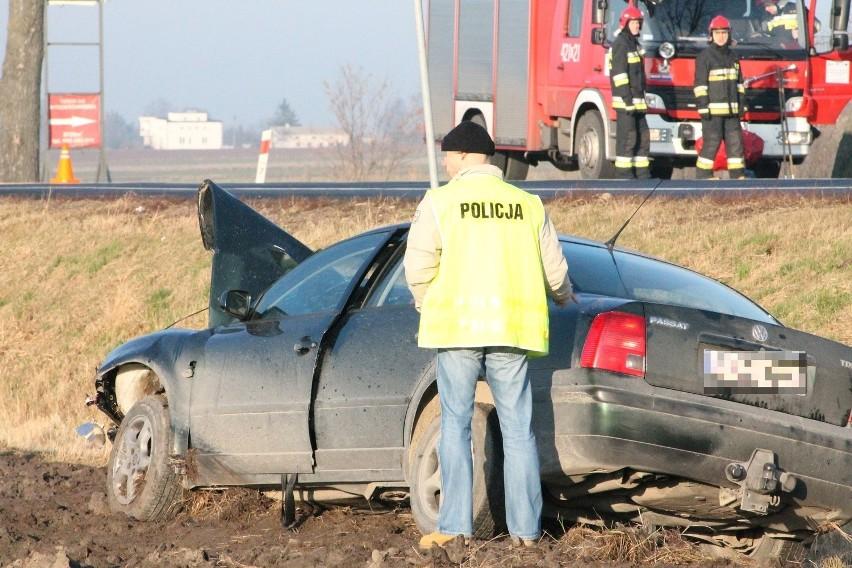 """Kutno: 8 osób rannych. Wypadek na """"dwójce"""" [ZDJĘCIA]"""