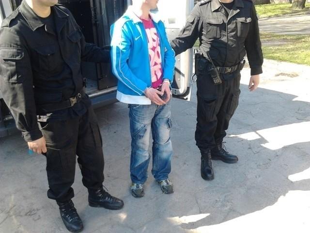 Jeden z z zatrzymanych przez policję mężczyzn