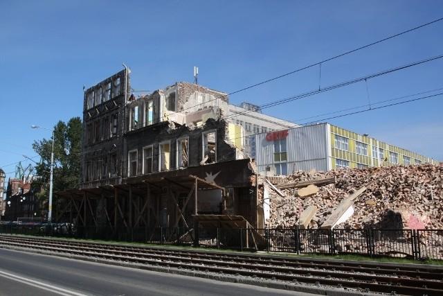 Burzenie XIX-wiecznego budynku trwało kilka tygodni