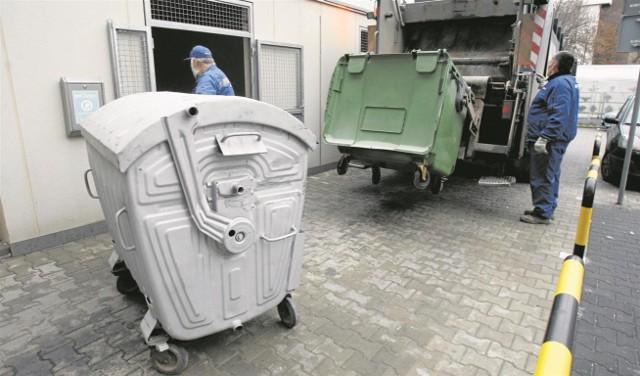 Firmy, które po  1 lipca zażądają od mieszkańców opłat za śmieci, złamią prawo
