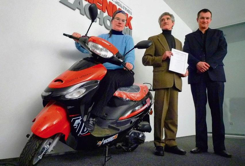 Od lewej: Julita Krabucka, Józef Małyszczuk oraz przedstawiciel WORD.