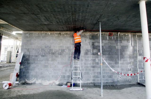Firma pracująca na budowie lotniska w Świdniku zagrożona upadłością
