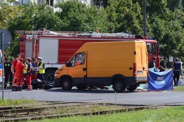 W tym miejscu na Zamenhofa w sierpniu ubiegłego roku zginęło dwóch motocyklistów
