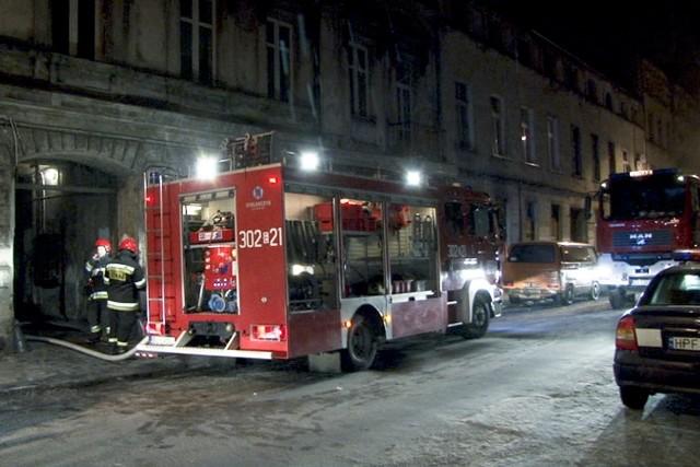 Łódź: pożar na Włókienniczej 4