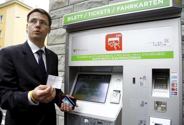 Zanim bilet stanie się ważny, trzeba go aktywować np. w biletomacie. Problem w tym, że nie dało się tego zrobić