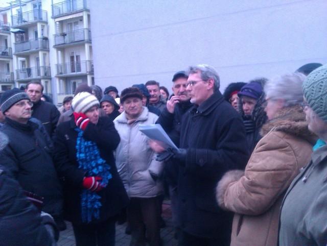 Mieszkańcy Olechowa protestują przeciw podwyżce czynszu