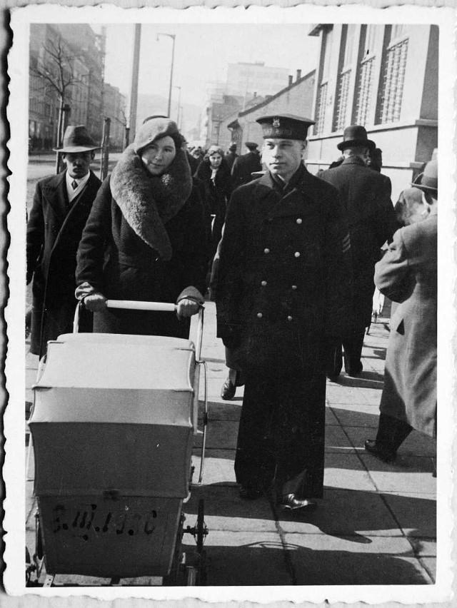 Maria Piwowarska z mężem, Kazimierzem. Gdynia lata 30.