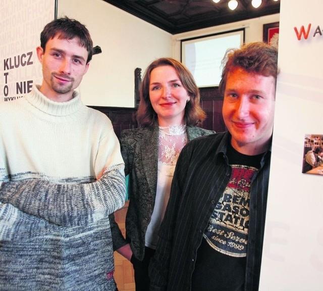 Łukasz, Katarzyna i Błażej z Wałbrzyskiego Stowarzyszenia zachęcają do udziału w akcji