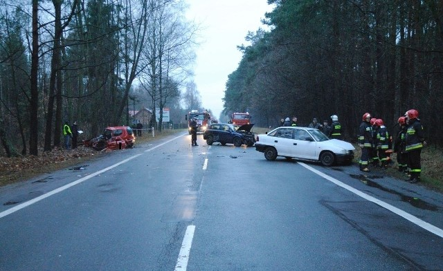 We wtorek zmarła kobieta ranna w wypadku na DK 8 pod Bełchatowem.