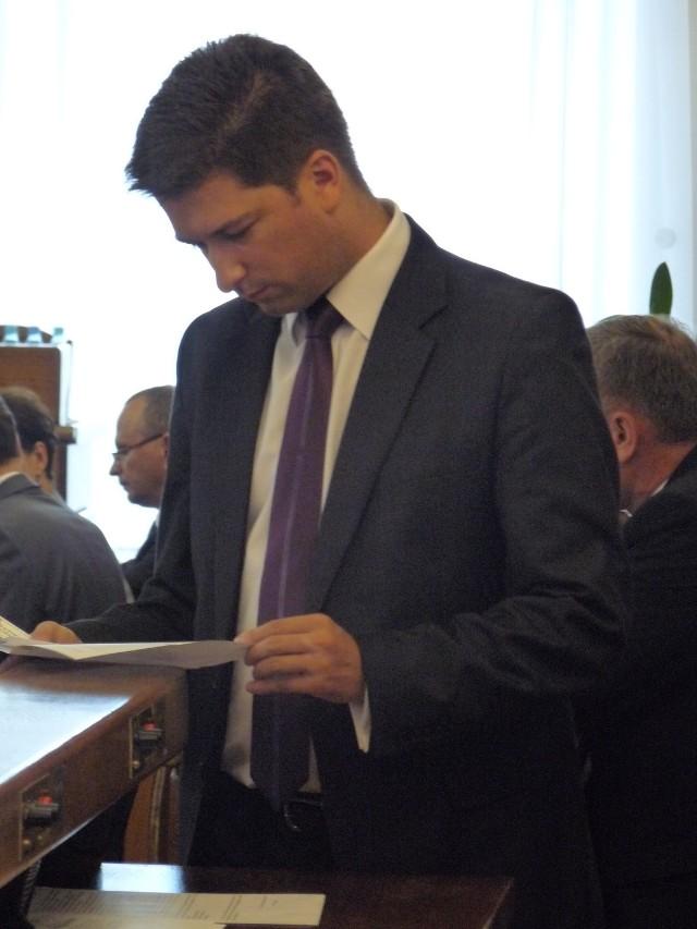 Tułajew: W magistracie jest za dużo urzędników