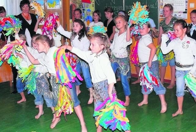 Rodzice przekonują, że w wiejskich szkołach jest niepowtarzalna atmosfera