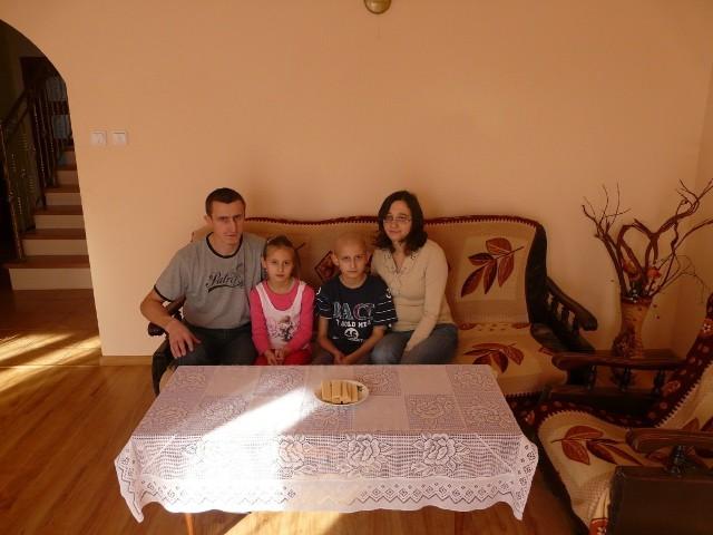 Rodzina Kamila Motaka wierzy, że uda się znaleźć dawcę
