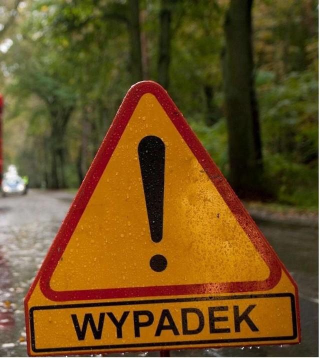 W miejscowości Krępsko doszło do zderzenia samochodu osobowego z ciężarówką