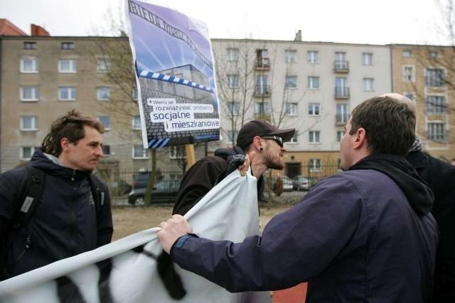 Anarchiści organizują w Poznaniu demonstracje przeciw kontenerom socjalnym - tak jak 13 kwietnia tego roku