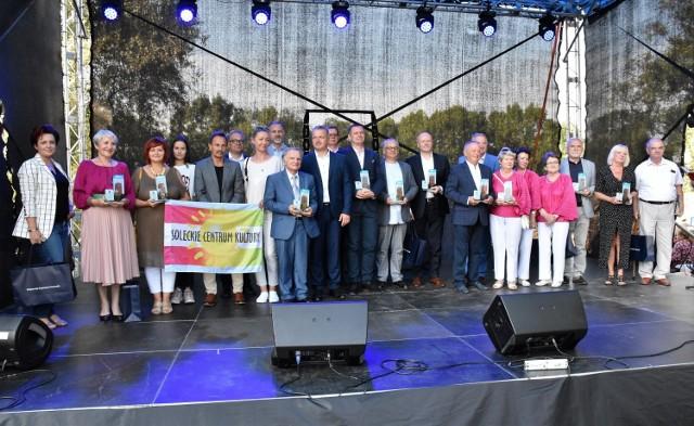 Podczas obchodów Europejskich Dni Dziedzictwa w Kruszwicy wojewoda Mikołaj Bogdanowicz nagrodził kujawsko-pomorskich animatorów kultury