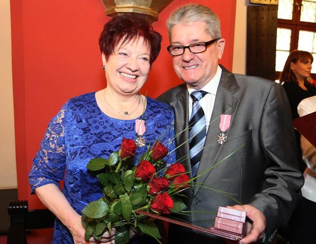 50 lat po ślubie. Dziesięć par ze Szczecina otrzymało medale z a ...