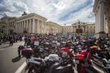 Motocykle na buspasy. Kierowcy protestowali w Warszawie [ZDJĘCIA]