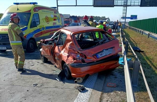 Uwaga. Groźny wypadek na autostradzie A4 pod Wrocławiem. Autostrada jest zablokowana