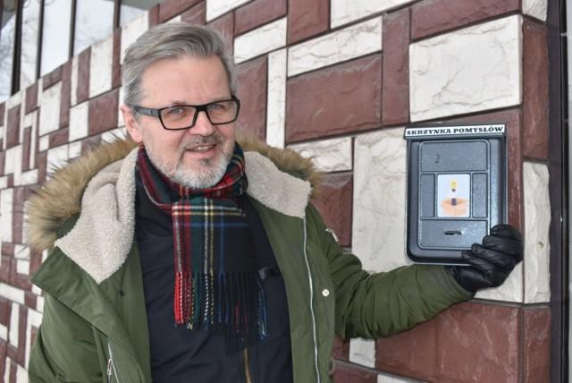 Dyrektor Piotr Salata ma nadzieję, że dzięki skrzynce pomysłów oferta placówki będzie jeszcze ciekawsza