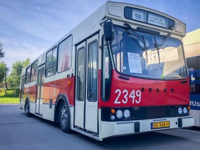 Czerwony autobus znów będzie jeździł po dzielnicach Sosnowca. Dla mieszkańców przygotowano wiele atrakcji.   Zobacz kolejne zdjęcia. Przesuń w prawo - wciśnij strzałkę lub przycisk NASTĘPNE