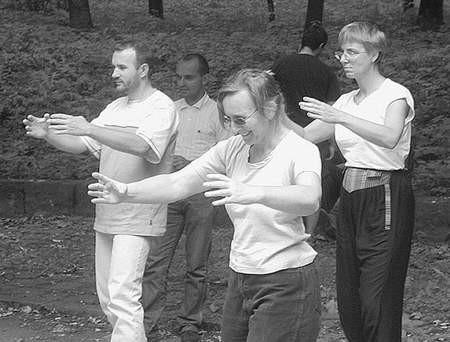 """Wszyscy chętni do ćwiczenia tej sztuki walki mogą przyjść w sobotę pod """"Kapelusz""""."""