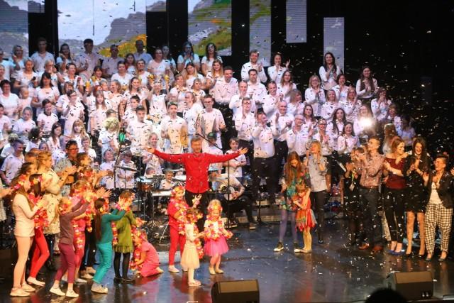 Niezwykły koncert Fundacji Iskierka w Teatrze Rozrywki