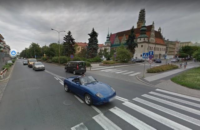 Dziś ruch tranzytowy przechodzi przez ścisłe centrum Brzegu. Po wybudowaniu obwodnicy to się zmieni.