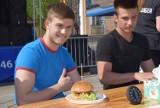Food Trucki w Lubinie! Minuta na zjedzenie wielkiego burgera?  Da się! Sami zobaczcie! [DUŻO ZDJĘĆ]