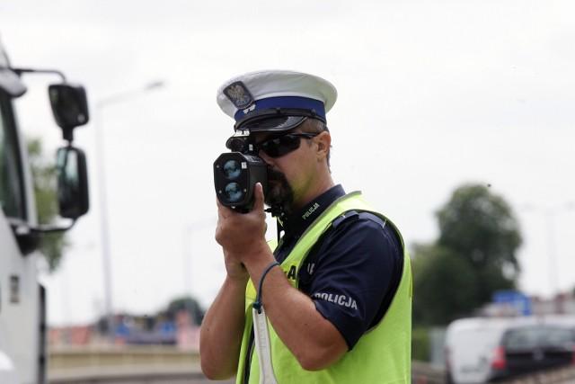 Rekordzista, który stracił prawo jazdy na terenie powiatu jasielskiego, jechał 128 km/h w terenie zabudowanym.