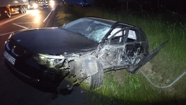 Wypadek na DK 74 w Kotuszowie (gm. Aleksandrów). Zderzyły się dwie ciężarówki i osobówka