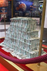 Tak wygląda 21 milionów złotych! Gratulujemy zwycięzcy lotto ze Skawiny [ZDJĘCIA]