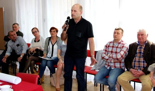 Zirytowani postępowaniem władz gminy Subkowy właściciele nieruchomości pojawili się na ostatniej sesji Rady Gminy.