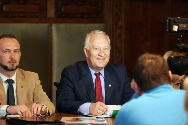Wkrótce sesja Rady Miejskiej Legnicy, radni spotkają się 23 kwietnia