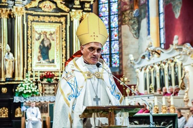 Wprowadzenie kanoniczne biskupa Krzysztofa Włodarczyka do bydgoskiej katedry