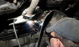 Fala kradzieży katalizatorów na Opolszczyźnie. Znikają u mechaników i na parkingach