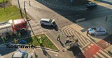 Wypadek w Sosnowcu. Na rondzie przy ślimaku dachował samochód. Ciężarna kobieta trafiła do szpitala ZDJĘCIA