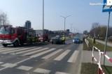 Żory: Potrącenie na Alei Zjednoczonej Europy. Jeden samochód się zatrzymał, drugi nie. Dwoje nastolatków trafiło do szpitala
