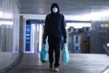 Noszenie maseczek ochronnych będzie obowiązkowe? Minister komentuje