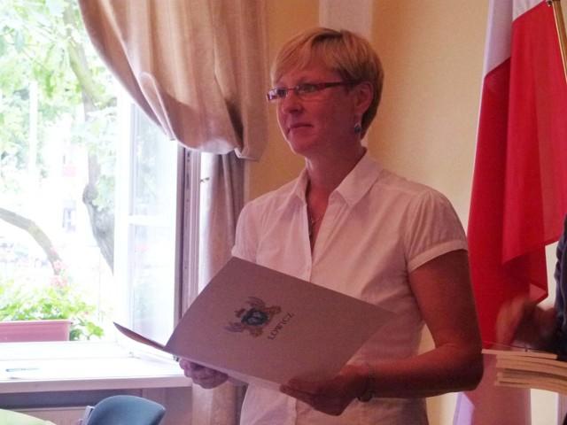 Naczelnik Małgorzata Nowak w imieniu przebywającego na covidowej kwarantannie włodarza miasta poinformowała o odwołaniu uroczystości wręczenia nagród z okazji DEN