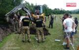 Głuszyca: Zakończono poszukiwania niemieckiej armaty na stadionie (ZDJĘCIA i FILM)