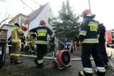 Groźny pożar domu na Brochowie we Wrocławiu. Zobacz zdjęcia