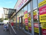 Ostatnie dni wyprzedaży w Tesco na Wyszyńskiego - sklep działa tylko do 30 września, co można jeszcze kupić?