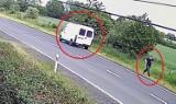 Potrącił rowerzystę na Śląsku. Zatrzymał się, zabrał lusterko i uciekł [WIDEO]. Mężczyzna zmarł