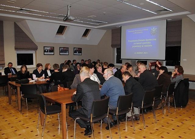 Debata społeczna o przemocy w rodzinie w Brzozowie