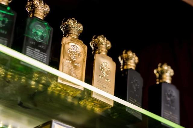Francuska moda w Warszawie. Perfumiarstwo, haute couture, pâtisserie. Warszawa przesiąka francuskimi smakami, zapachami i stylem