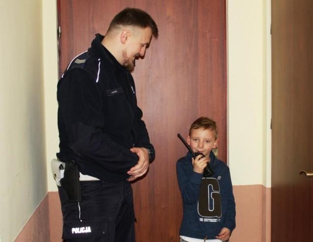 Jedno z marzeń Tymonka już się spełniło - dzięki policjantom z oświęcimskiej komendy przez jeden dzień był stróżem prawa