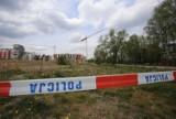 Dźwig na budowie w Tychach niebezpiecznie się przechylił. Ewakuowano pracowników i mieszkańców okolicznego osiedla