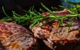 Co Wielunianie najchętniej grillują? Zobacz galerię zgrillowanych smakołyków. Pomysły na pyszne dania z grilla ZDJĘCIA