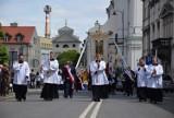 Boże Ciało w Kaliszu. Msza święta na rynku i procesja kaliskimi ulicami ZDJĘCIA